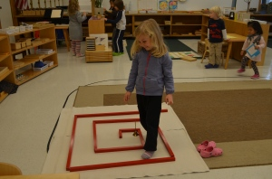 Creating a maze with Red Rods and walking through it